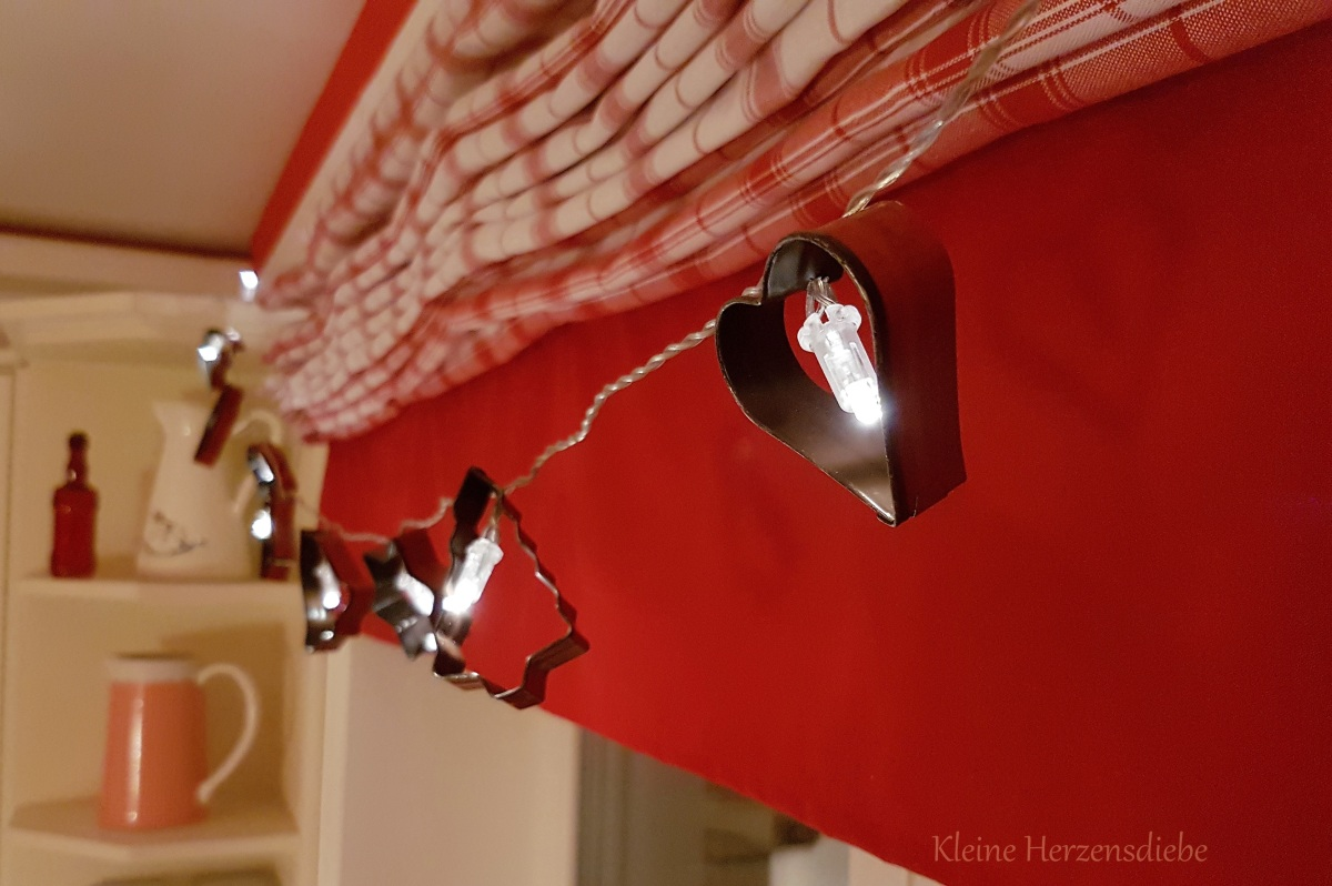Blitz-DIY: Keksausstecher-Lichterkette