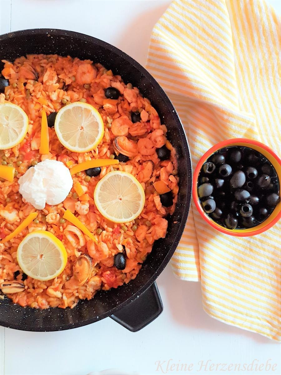 """Für den """"Zuhause-wie-Urlaub""""-Moment: Rezept für eine spanische Paella"""